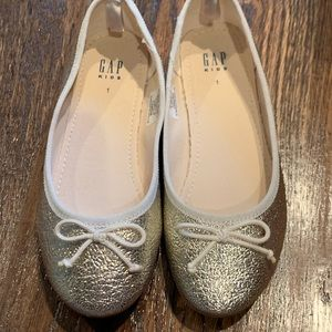 NEW Gap kids gold ballet flats size 1
